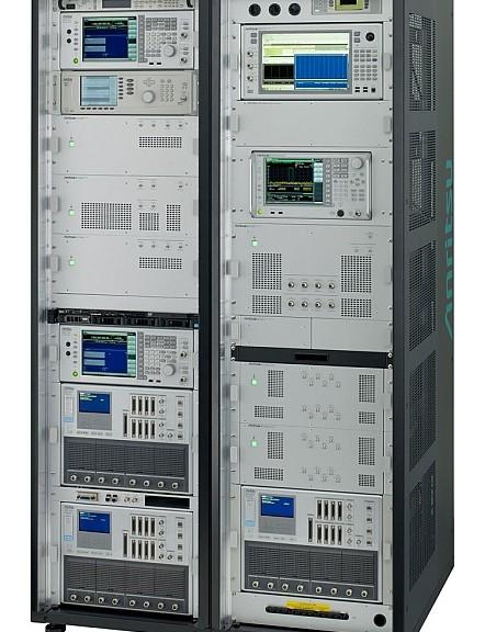 Système de test de conformité RF LTE-Advanced ME7873LA de Anritsu.
