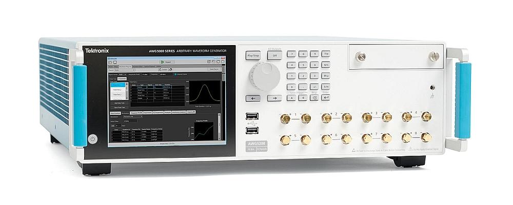Générateurs de signaux arbitraires multi-voies AWG5200 de Tektronix