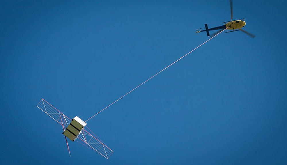 Rohde & Schwarz a fourni deux récepteurs de test R&S ESR EMI à l'ESA pour le test d'antenne de Jupiter Icy Moons Explorer