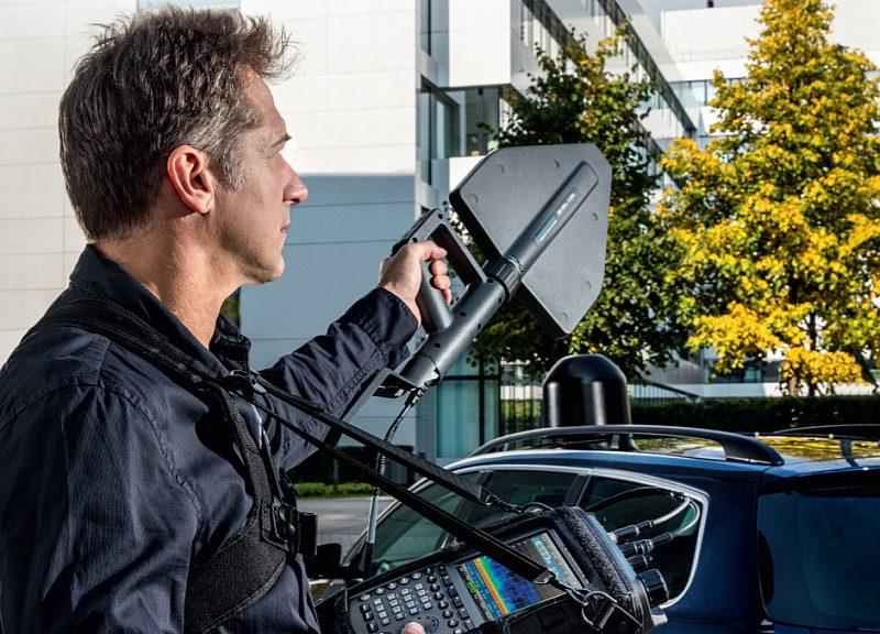 Tracker d'interférences portable R&S MNT100 de Rohde & Schwarz
