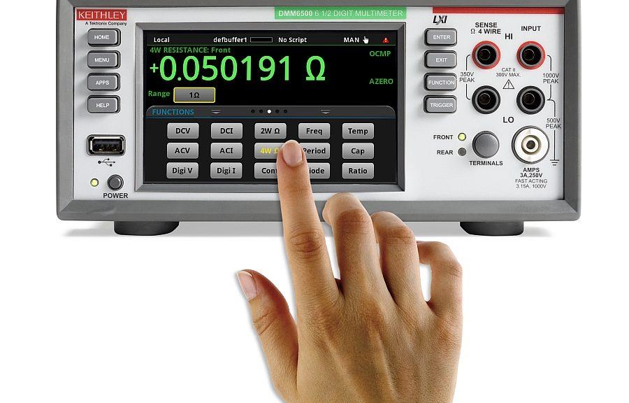 Multimètre numérique à 6½ chiffres Keithley DMM6510 de Tektronix.