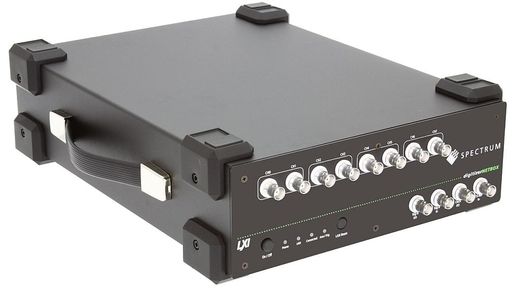 La série DN2.59x digitizerNETBOX de Spectrum est composé de différents modèles dotés de 4, 8 et 16 canaux.