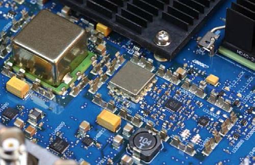 Circuits électroniques embarqués sur les oscilloscopes de la série Infiniium de Keysight.