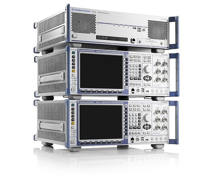 Plate-forme de test de communication CMWflexx de Rohde & Schwarz.