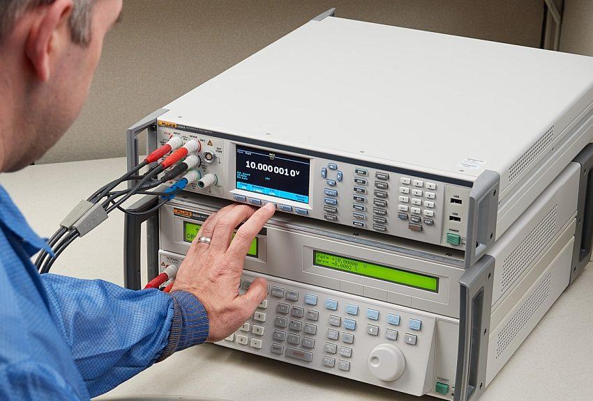 Multimètres 8588A et 8558A de Fluke Calibration.