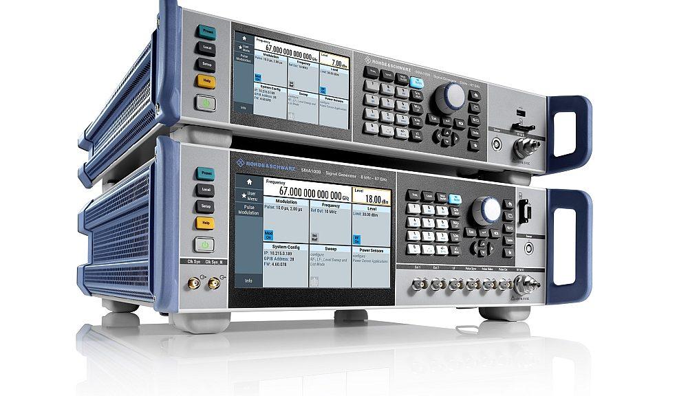 Générateur de signaux R&S SMA100B de Rohde & Schwarz.