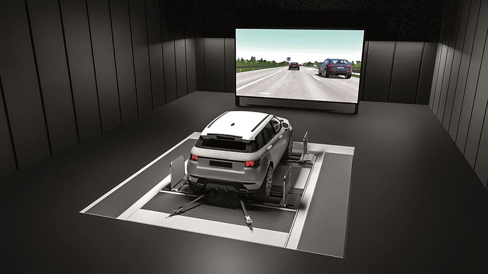 Plateforme de simulation automobile AVL DRIVINGCUBE.