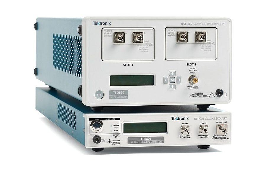 Oscilloscope à échantillonnage TSO820 et module TCR801 de récupèration d'horloge optique de Tektronix