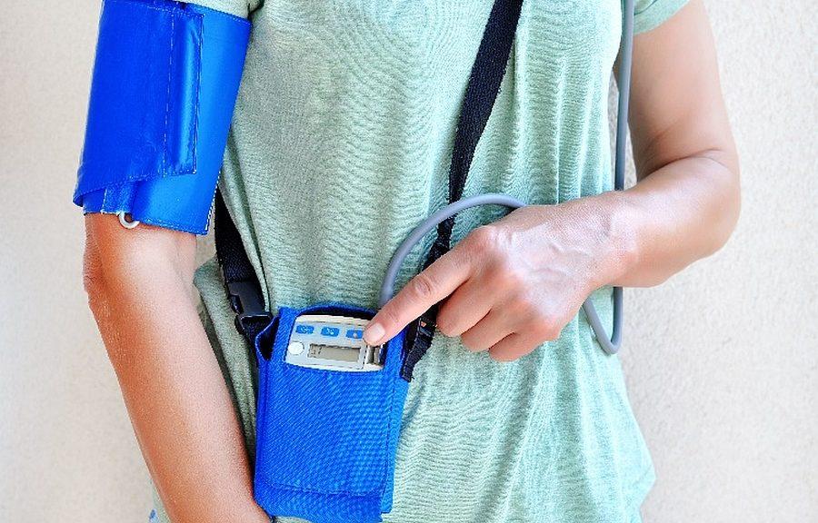 Appareil électronique portable de surveillance médicale