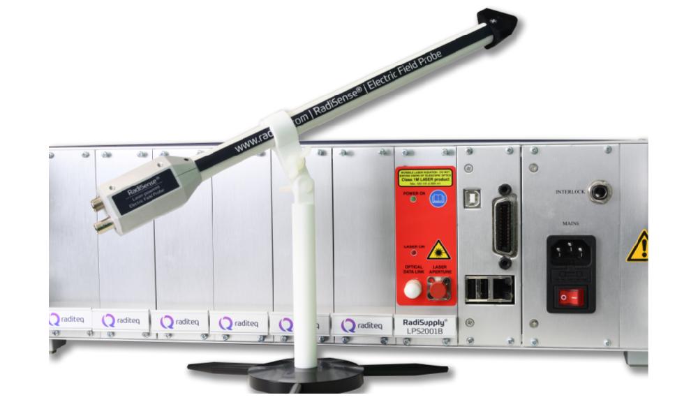 Sonde de mesure de champ électrique RadiSense 26 et système de test CEM RadiCentre de Raditeq